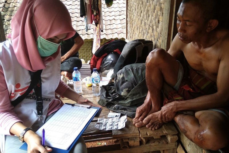An image preview for Tsunami relief: Doctors Without Borders responds to disaster in Indonesia article.